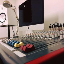 Sound nel nome di Pino Daniele. A Pianura la prima sala di registrazione gratuita per i giovani