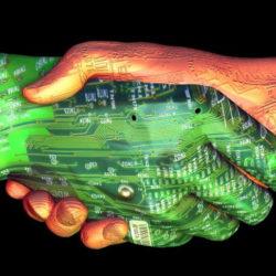 """Sempre più prigionieri dei """"personal media"""": tra amici virtuali e gogne. E' ora di connettersi al mondo reale"""