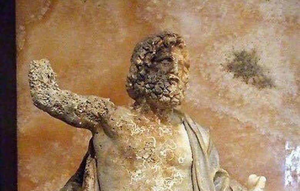 Zeus in trono torna a casa