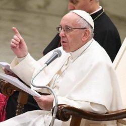 """La meditazione di Papa Francesco: """"Lo scandalo uccide la speranza"""""""