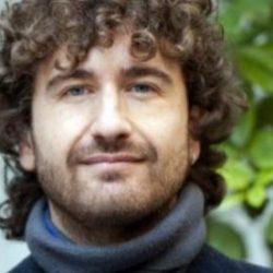 Alessandro Siani cerca comparse per nuovo film da girare a Pozzuoli