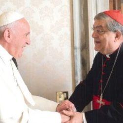 Papa Francesco al cardinale Crescenzio Sepe: «Va avanti a Napoli almeno per altri due anni»