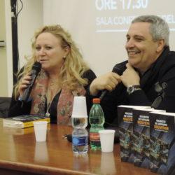 """Presentato al MANN il nuovo libro di Maurizio De Giovanni """"Souvenir. Per i bastardi di Pizzofalcone"""""""
