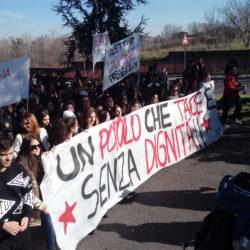 In migliaia a Monterusciello in marcia contro la camorra e tutte le illegalità