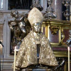 Il Cardinale Crescenzio Sepe consegna il Premio San Gennaro 2018, giunto alla XIII edizione
