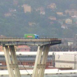 Tragedia di Genova, per solidarietà l'amministrazione comunale di Pozzuoli annulla gli eventi di ferragosto. Ecco le nuove date