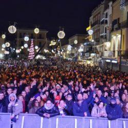 Capodanno 2019 in piazza a Pozzuoli. Tanti giovani, grande partecipazione, in crescita rispetto agli anni precedenti