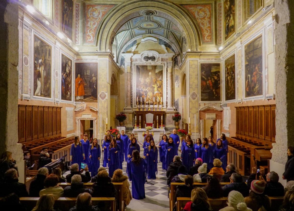 Coro Gospel Eyael e Coro Città di Pozzuoli nella Basilica Cattedrale San Procolo martire