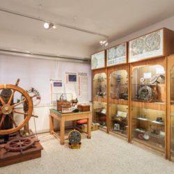Nel museo… vedi il mare come è bello. Esposizione permanente nell'istituto Nautico Duca degli Abruzzi a Bagnoli