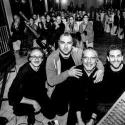 Neapolitan Gipsy Jazz a Terrazza Aruna di Bacoli, sabato 8 giugno