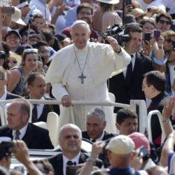 Papa Francesco ad Acerra, nella Terra dei Fuochi a cinque anni dalla Lettera enciclica Laudato si'